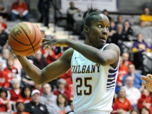 Shereesha Richards looks to pass the ball in transition. Photo by Bill Ziskin.