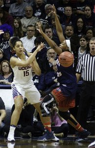 Gabby Williams makes the pass. Photo by Robert Franklin.