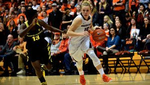 Jamie Weisner drives the ball up court. Photo by Scobel Wiggins/Oregon State Athletics.