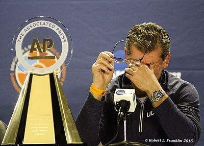 Geno Auriemma became emotional after receiving the AP Coach of the Year Award. Photo by Robert L. Franklin.