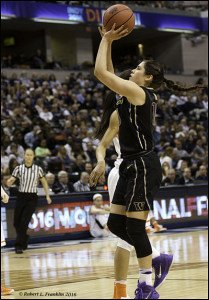 Kelsey Plum puts up a shot. Photo by Robert L. Franklin.
