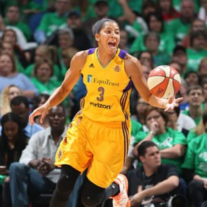 Candace Parker drives to the basket. Photo by David Sherman/NBAE via Getty Images.