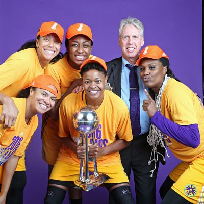 The Sparks longtime core: Candace Parker, Nneka Ogwumike, Kristi Toliver, Alana Beard and Jantel Lavender, with coach Brian Agler. Photo courtesy of WNBA.