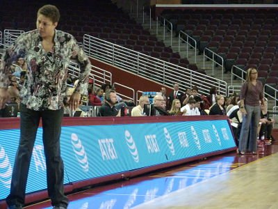Legends face off as USC downs Cal State LA – Women's Hoops World