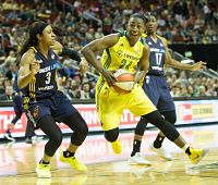Jewell Loyd slices through the Indiana Fever defense. Photo by Neil Enns/Storm Photos.