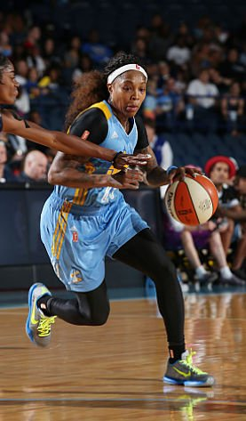 Eleven-year veteran Cappie Pondexter is gearing to lead the Chicago Sky this season. Photo by Gary Dineen/NBAE via Getty Images.
