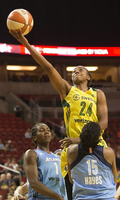 Jewell Loyd powers past the Dream defense for a layup. Photo by Neil Enns/Storm Photos.