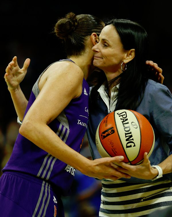 is diana taurasi dating anyone Find more about xander bogaerts wiki, girlfriend, dating and he has not yet spotted with anyone of opposite sex for dating diana taurasi boyfriend, dating.