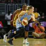 Nneka Ogwumike keeps her eye on Allie Quigley. Photo by Maria Noble/WomensHoopsWorld.