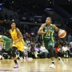 Jewell Loyd drives to the basket. Photo by Maria Noble/WomensHoopsWorld.