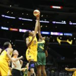Nneka Ogwumike and Crystal Langhorne jump for the ball. Photo by Maria Noble/WomensHoopsWorld.