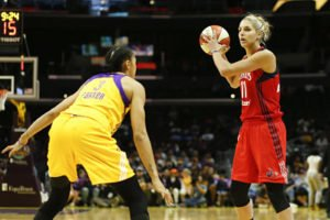 Elena Delle Donne debates her passing options. Photo by Maria Noble/WomensHoopsWorld.