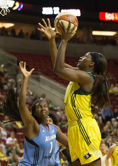 Crystal Langhorne gets her 18th basket in a row, going back three games. Her 9-9 shooting against Atlanta set a franchise record for most field goals without a miss in a game. Photo by Neil Enns/Storm Photos.