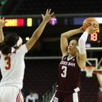 Chennedy Carter looks to pass over Minyon Moore. Photo by Maria Noble/WomensHoopsWorld.