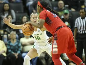 Lexi Bando and the Oregon Ducks used tough defense to outrun Arizona. Photo by Eric Evans Photography/University of Oregon.