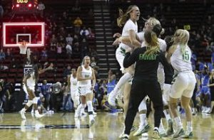 Oregon players react to their win over UCLA as the final buzzer sounds. Photo courtesy of Oregon Athletics.