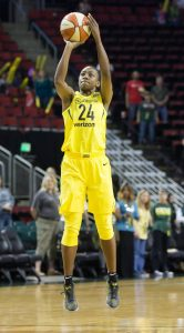 Jewell Loyd with the jumper. Neil Enns/Storm Photos.