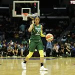 Jordin Canada sets up the play for Seattle. Maria Noble/WomensHoopsWorld.