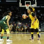 Jordin Canada guards Odyssey Sims. Maria Noble/WomensHoopsWorld.