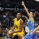 Nneka Ogwumike sizes up her shooting options against Allie Quigley. Photo by Maria Noble/WomensHoopsWorld.