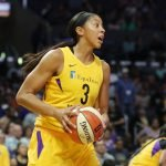 Candace Parker calls to a teammate. Photo by Maria Noble/WomensHoopsWorld.