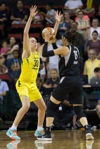 Breanna Stewart applies pressure to JiSu Park. Neil Enns/Storm Photos.