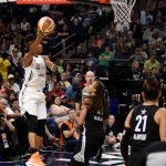 Angel McCoughtry elevates to score. Maggi Stivers/WomensHoopsWorld.