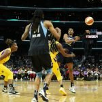 Tiffany Hayes passes to Jessica Breland. Maria Noble/WomensHoopsWorld.