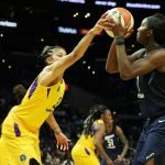 Elizabeth Williams is defended by Candace Parker. Maria Noble/WomensHoopsWorld.