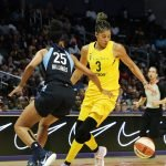 Monique Billings defends Candace Parker. Maria Noble/WomensHoopsWorld.