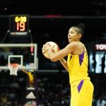 Candace Parker prepares to pass. Maria Noble/WomensHoopsWorld.