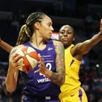 Brittney Griner is guarded by Nneka Ogwumike. Maria Noble/WomensHoopsWorld.