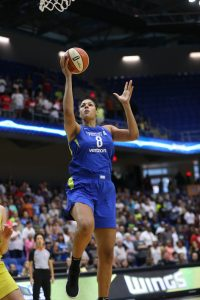 Liz Cambage goes to the basket. Photo by Layne Murdoch/NBAE via Getty Images.