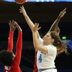 Lindsey Corsaro puts up a shot. Maria Noble/WomensHoopsWorld.