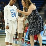 Coach Cori Close has a word with Japreece Dean. Maria Noble/WomensHoopsWorld.
