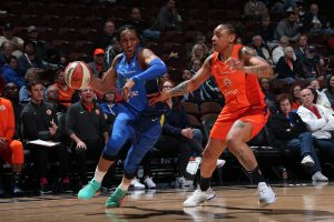 Kayla Thornton drives to the basket in a game last year. Photo by Ned Dishman/NBAE via Getty Images.