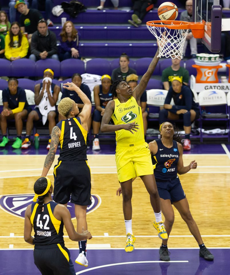 Loyd's late layup lifts Seattle over Indiana, 65-61