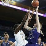 Kayla Owens defends the shot. Maria Noble/WomensHoopsWorld