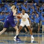 Charisma Osborne defends the basket. Maria Noble/WomensHoopsWorld