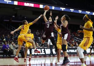 Chennedy Carter rises over the defense to score. Maria Noble/WomensHoopsWorld