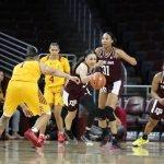 Chennedy Carter breaks away from the Trojan defense. Maria Noble/WomensHoopsWorld