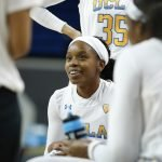 Japreece Dean at a timeout. Maria Noble/WomensHoopsWorld.