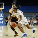 Charisma Osborne drives to the hoop. Maria Noble/WomensHoopsWorld.