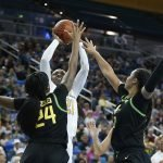 Michaela Onyenwere rises over the Oregon defense to score. Maria Noble/WomensHoopsWorld.