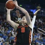 Mikayla Pivec goes up for a bucket. Maria Noble/WomensHoopsWorld.