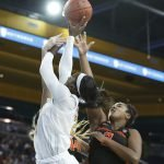 Michaela Onyenwere shoots over Maddie Washington. Maria Noble/WomensHoopsWorld.