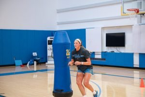 Redshirt junior Lindsey Corsaro gets ready to receive a pass. UCLA Athletics photo.