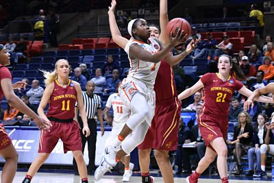 Alexis Peterson put up 25 points for the Orange. Photo courtesy of Syracuse Athletic Communications.