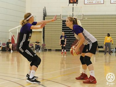 Jamie Wiese guards Karlie Samuelson. Photo courtesy of Los Angeles Sparks.
