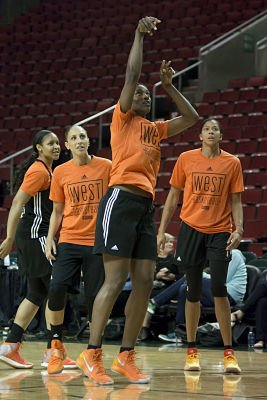 Sylvia Fowles shoots during the West team's open practice. Photo by Jamie Mitchell/TGTVsports1.